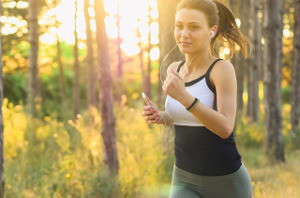 girl running with earphones